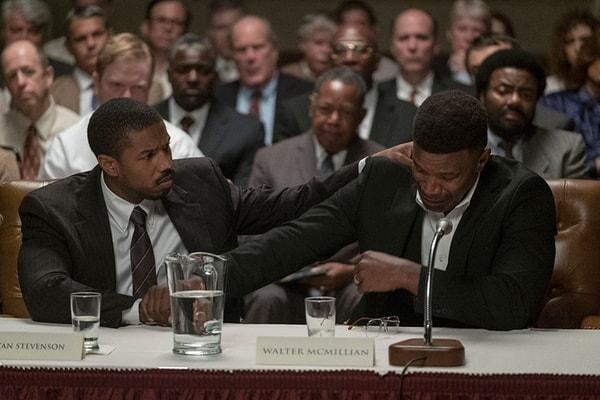 (L-r) MICHAEL B. JORDAN as Bryan Stevenson and JAMIE FOXX as Walter McMillian in Warner Bros. Pictures' drama JUST MERCY.